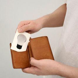 Praktikus bankkártya méretű zseblámpa